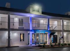 Baymont by Wyndham Prattville - Prattville - Building