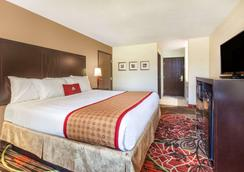 Days Inn by Wyndham Arlington - Arlington - Bedroom