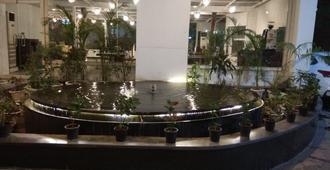 Jukaso Inn - Niu Đê-li - Cảnh ngoài trời