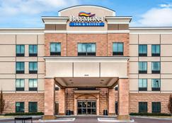 Baymont by Wyndham Denver International Airport - Denver - Building