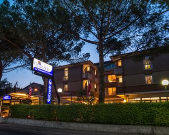 Hotel Frate Sole - Assisi - Building