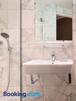 Paris France Hotel - Paris - Bathroom