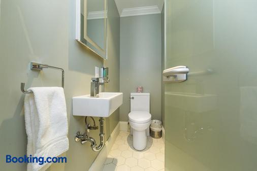 切茲特魯頓 - 馬爾貝 - 拉馬巴耶 - 浴室