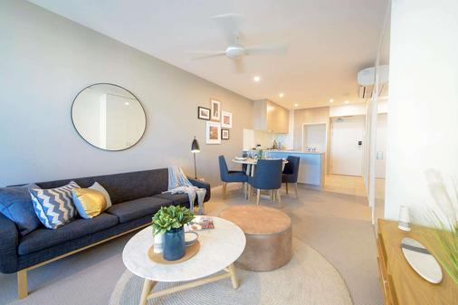 Alcyone Hotel Residences - Brisbane - Living room