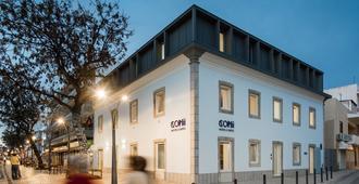 Hostel Conii & Suites Algarve - Quarteira - Edificio