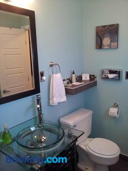 Quail Park Lodge, A Canyons Collection Property - Kanab - Bathroom