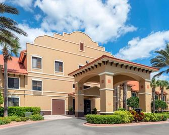 Clarion Inn Ormond Beach at Destination Daytona - Ormond Beach - Building