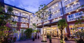 沙努宅邸奧雷里亞酒店 - 登巴薩 - 登巴薩 - 建築
