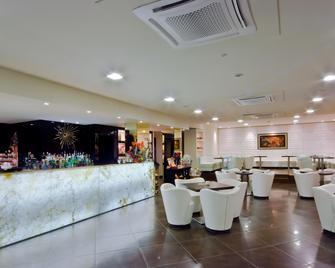 Hotel El Patio - Corciano - Salónek