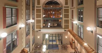 Holiday Inn Express Hotel & Suites Deadwood-Gold Dust Casino - Deadwood - Recepción