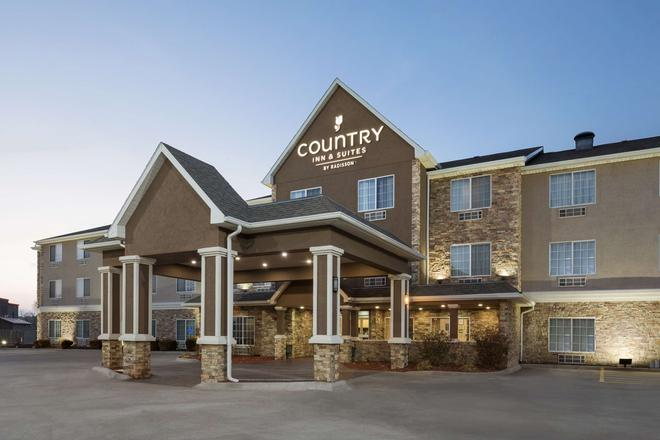 Country Inn & Suites by Radisson, Topeka West, KS - Topeka - Building