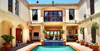 Casa Mia Guesthouse - Cape Town - Pool