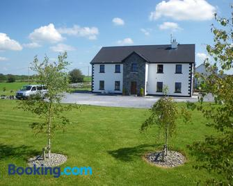 Corrib View Lodge - Cong - Building