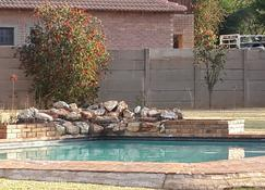 Terrylin Backpackers - Adults Only - Kempton Park - Pool