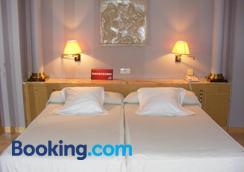 Hotel Cesaraugusta - Zaragoza - Bedroom
