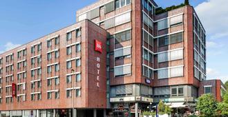 Ibis Ulm City - אולם - בניין