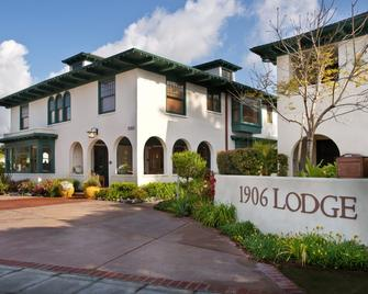 1906 Lodge - Coronado - Building
