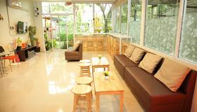 Friend's House Resort - Banguecoque - Hall