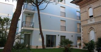 Hotel Chiaraluna - Civitanova Marche - Edificio