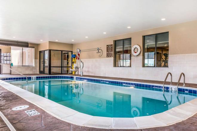 Comfort Suites Florence-Cincinnati South - Florence - Uima-allas