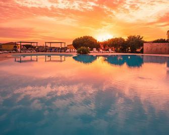 Residence Lu Lamoni - Aglientu - Pool