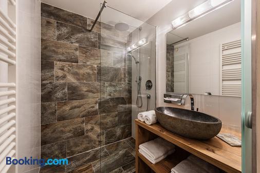 阿爾姆酒店 - 聖萊昂哈德皮茨河谷 - 皮茨河谷聖萊昂哈德 - 浴室