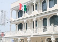 Hotel Claudia - Macuspana - Gebäude
