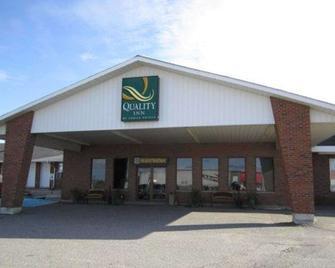 Quality Inn - New Liskeard - Gebäude