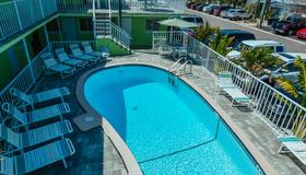 Brightwater Suites on Clearwater Beach - Clearwater Beach - Πισίνα