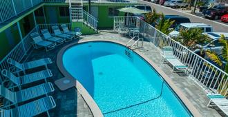 Brightwater Suites - Clearwater Beach - Πισίνα