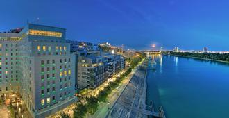 Grand Hotel River Park, a Luxury Collection Hotel, Bratislava - Bratislava - Outdoors view