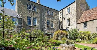 The Old Priory Bed And Breakfast - Kelso - Building