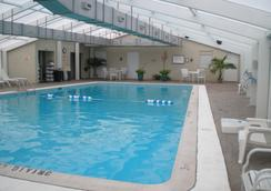 Point Plaza Suites at City Center - Newport News - Pool