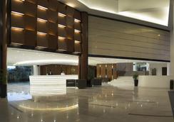 Oakwood Hotel & Residence Kuala Lumpur - Kuala Lumpur - Lobby