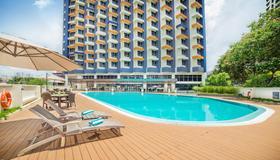 Oakwood Hotel and Residence Kuala Lumpur - Kuala Lumpur - Pool