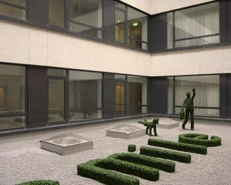 Park Plaza Cardiff - Cardiff - Building
