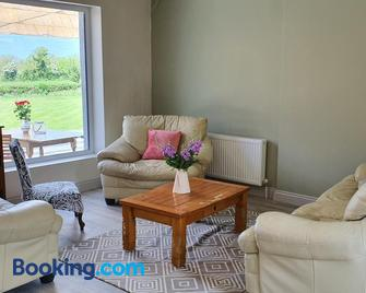 Glasson Glamping Farm - Athlone - Living room