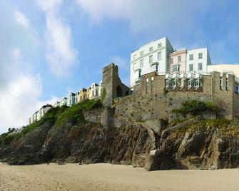 The Imperial Hotel - Tenby - Gebouw