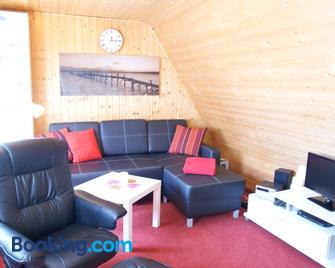 Ferienwohnung am kleinen See - Bergen auf Rügen - Living room
