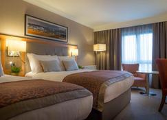Clayton Hotel Dublin Airport - Dublin - Bedroom
