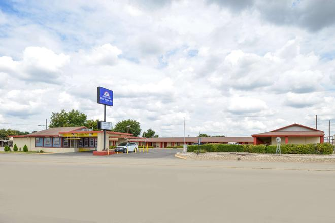 Americas Best Value Inn Ozona - Ozona - Building