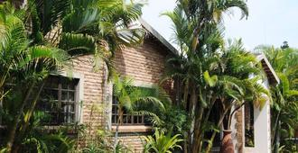African Dreamz Guest House - Saint Lucia - Outdoors view