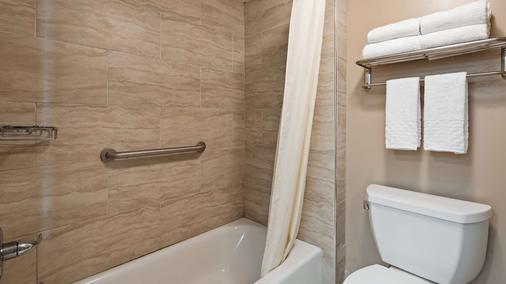Best Western Plus Cypress Creek - Biloxi - Phòng ngủ