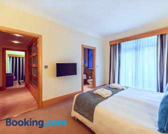 The Caleta Hotel Self-Catering Apartments - Gibraltar - Bedroom