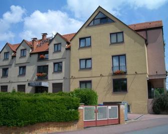 As-Salam Aparthotel - Friedrichsdorf - Building