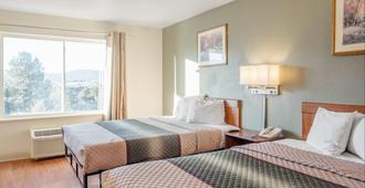 Hometowne Studios by Red Roof - Colorado Springs Airport - Colorado Springs - Bedroom