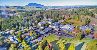 Wairakei Resort Taupo - Taupo - Outdoors view