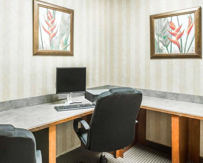 Econo Lodge Inn & Suites - Douglasville - Business centre