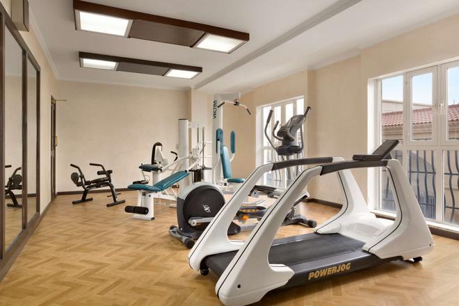Hawthorn Suites by Wyndham Al Khobar - Al Khobar - Fitnessbereich
