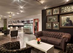 Hawthorn Suites by Wyndham Al Khobar - Al Khobar - Lobby
